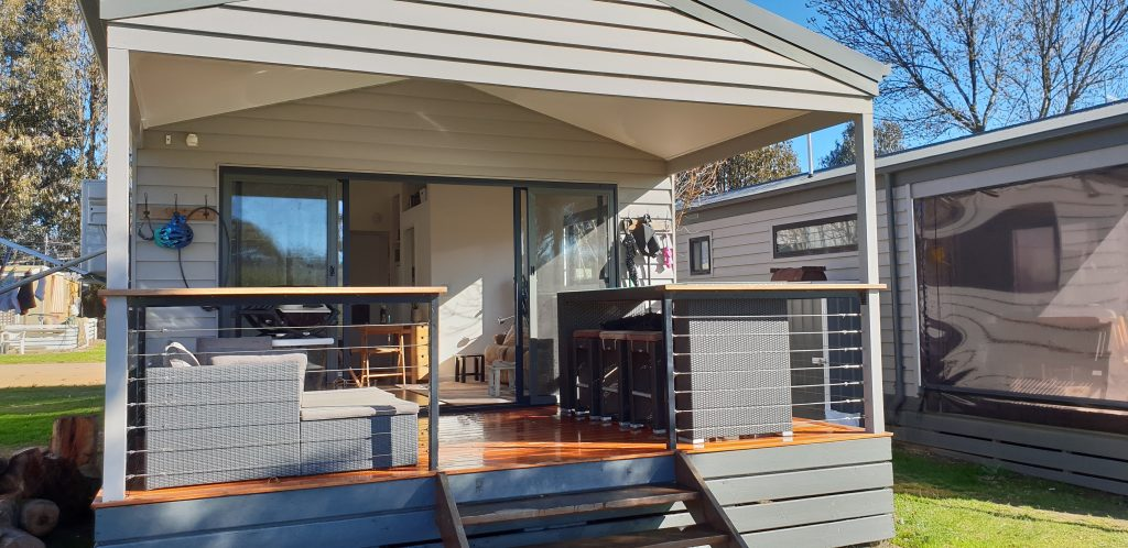 Site 22 - Mansfield Holiday Park cabin with large front deck