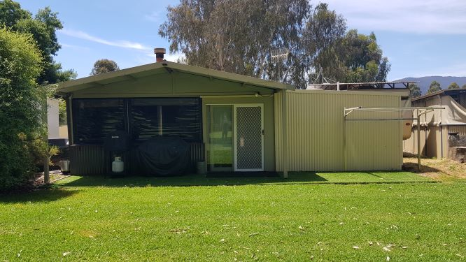 Site 27 - Eildon Waters Holiday Park