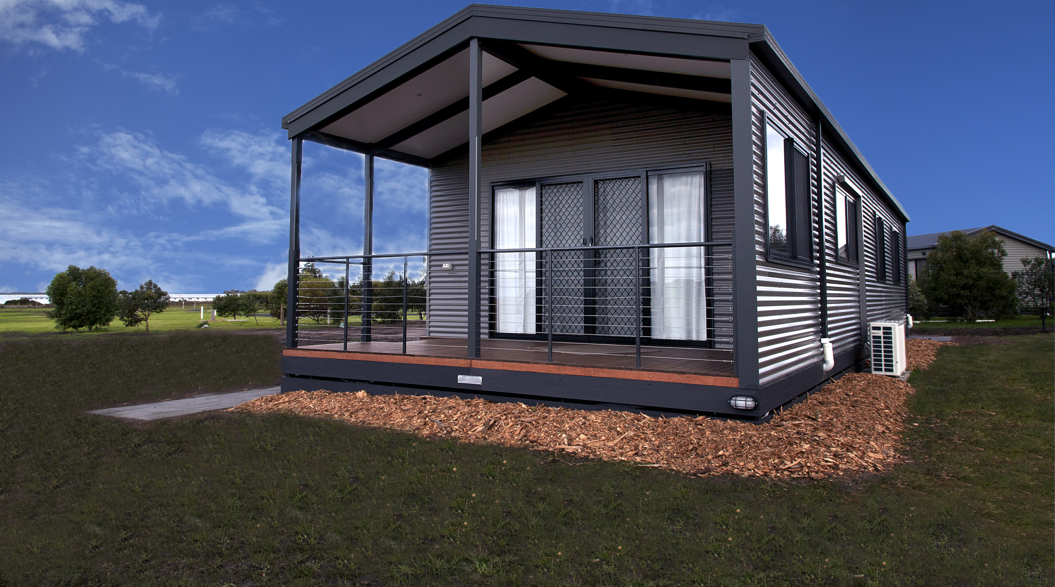 3 Bedroom Family Holiday Unit external cabin